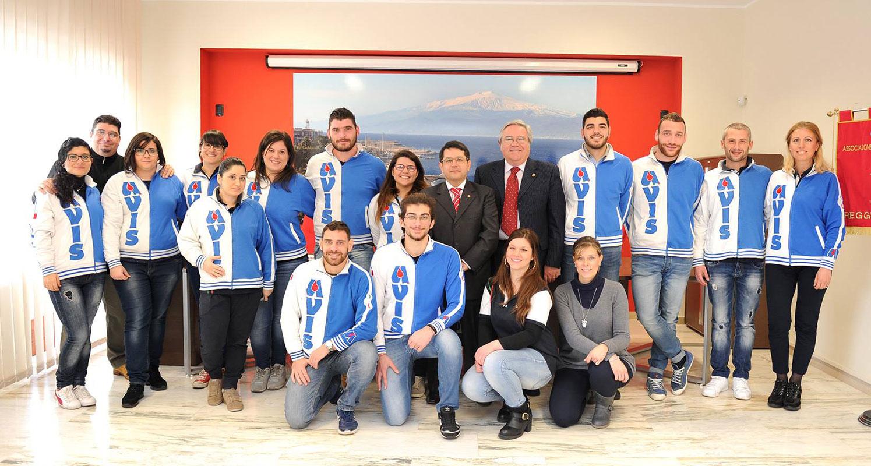Il Presidente, l'Amministratore, lo Staff e alcuni dei Giovani dell' AVIS Comunale di Reggio Calabria